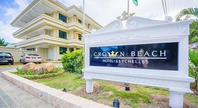 CROWN BEACH HOTEL - Mahé