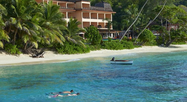 Doubletree by hilton allamanda resort spa seychelles for Bcf international piscine